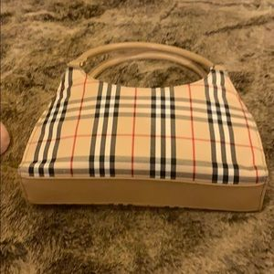 Nova check bag reminds me of Burberry